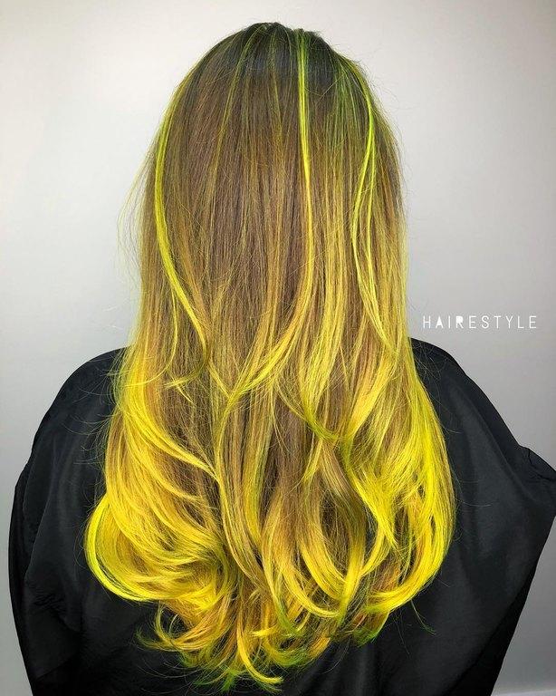 kitrina-mallia-genz-yellow-hair-trend-8.jpg