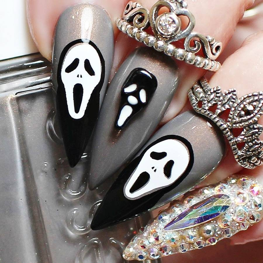 The Nail Files: Halloween NailArt