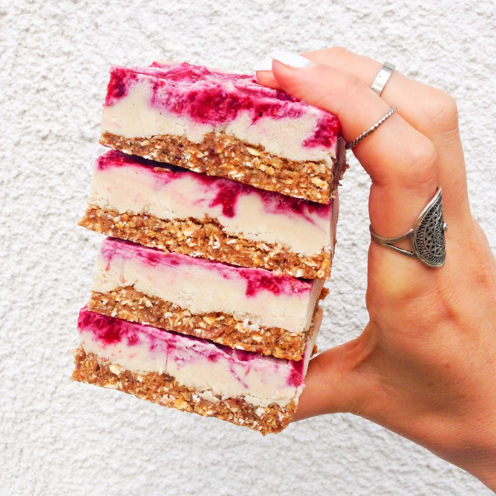 vegan raspberry cheesecakebars