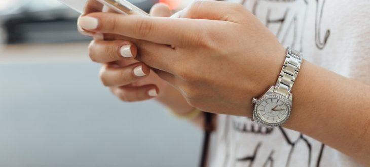 Τόσο θα κοστίζουν πλέον οι κλήσεις και τα μηνύματα προς τοεξωτερικό