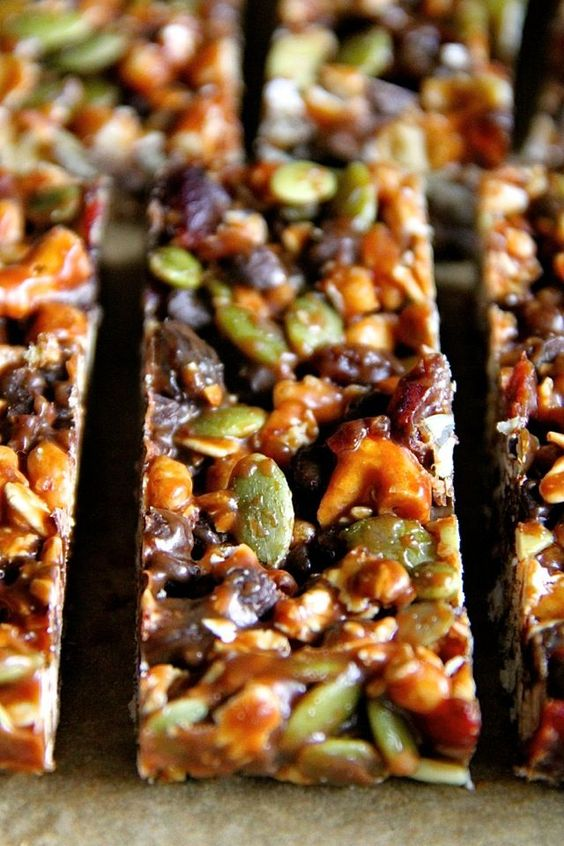 No Bake Sweet and Salty Trail Mix GranolaBars