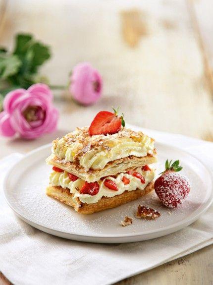 Μιλφέιγ με κρέμα καιφράουλες
