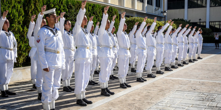 Πανελλήνιες 2019: Ανοίγουν θέσεις για τις Ενοπλες Δυνάμεις -Πώς υποβάλλονται οιαιτήσεις