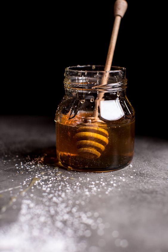 Είναι το μέλι στον καφέ πράγματι το καλύτερο υποκατάστατοζάχαρης;