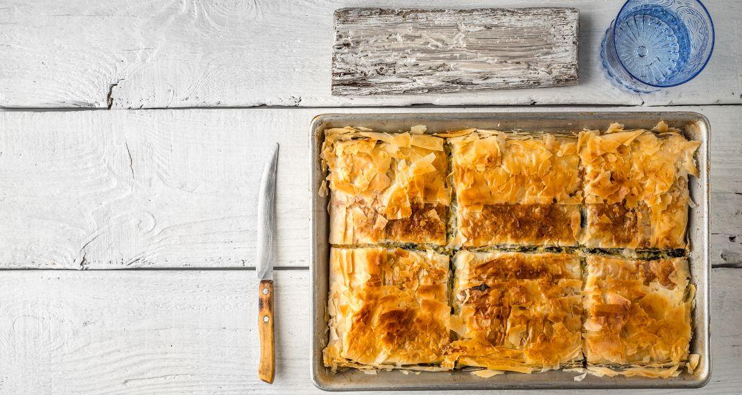 Φανταστικό τρικ: Πώς θα κάνεις το έτοιμο φύλλο πίτας να μοιάζει μεχειροποίητο