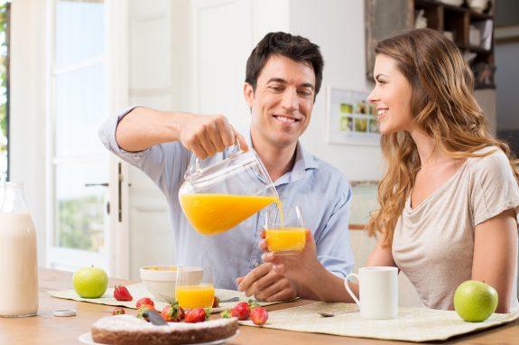 Ο χυμός που θα σε βοηθήσει να καις λίπος από τοπρωί