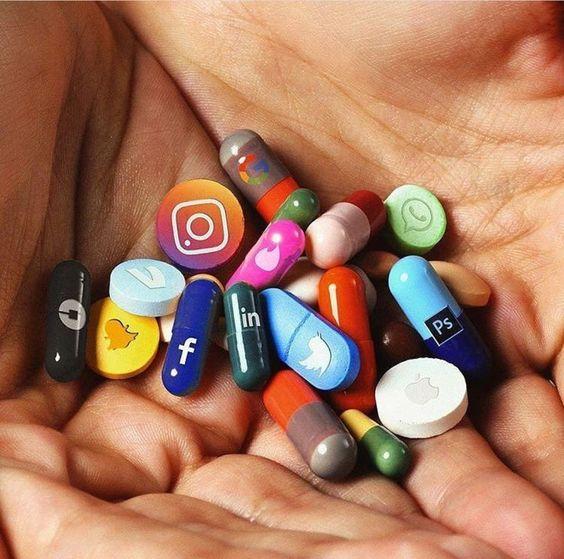 Γιατί πρέπει να χαλαρώσεις λίγο με τα socialmedia