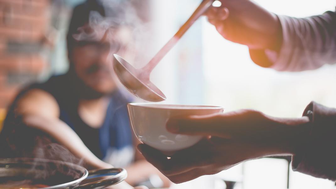 Οι 3 τροφές που πρέπει να επιλέξεις όταν έχεις κρυολόγημα -Θα σε κάνουν να νιώσειςκαλύτερα