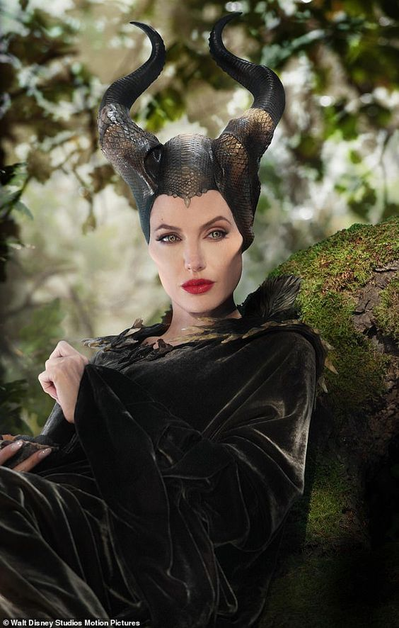 MALEFICENT 2 Behind The Scenes Clips & Bloopers – Mistress of Evil
