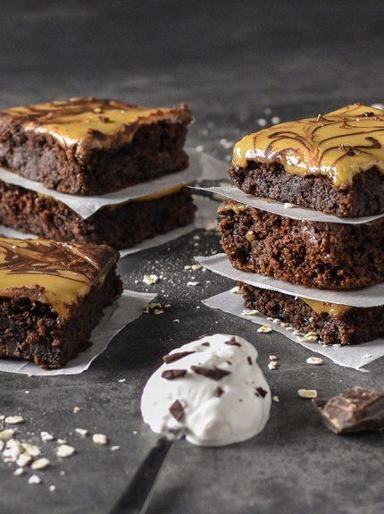 Brownies με επικάλυψηχαλβά