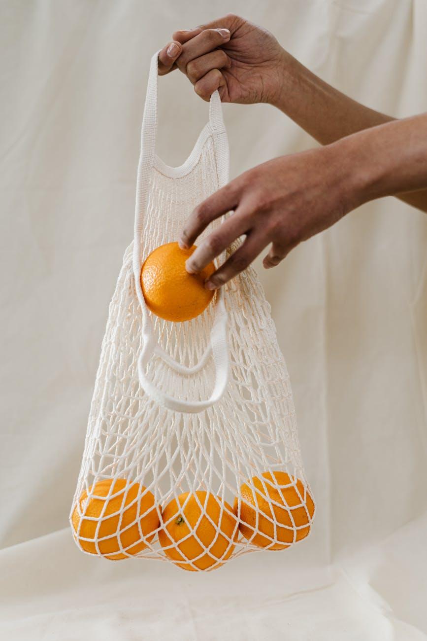 Πόσο ασφαλείς είναι οι επαναχρησιμοποιούμενες τσάντες για ψώνια στηνπανδημία
