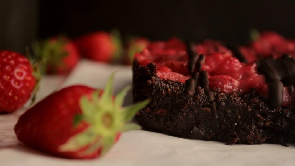 Υγιεινά brownies με φράουλες, χωρίςψήσιμο