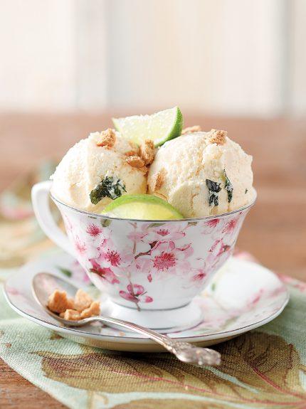 Παγωτό με μοσχολέμονα και μπισκόταβουτύρου