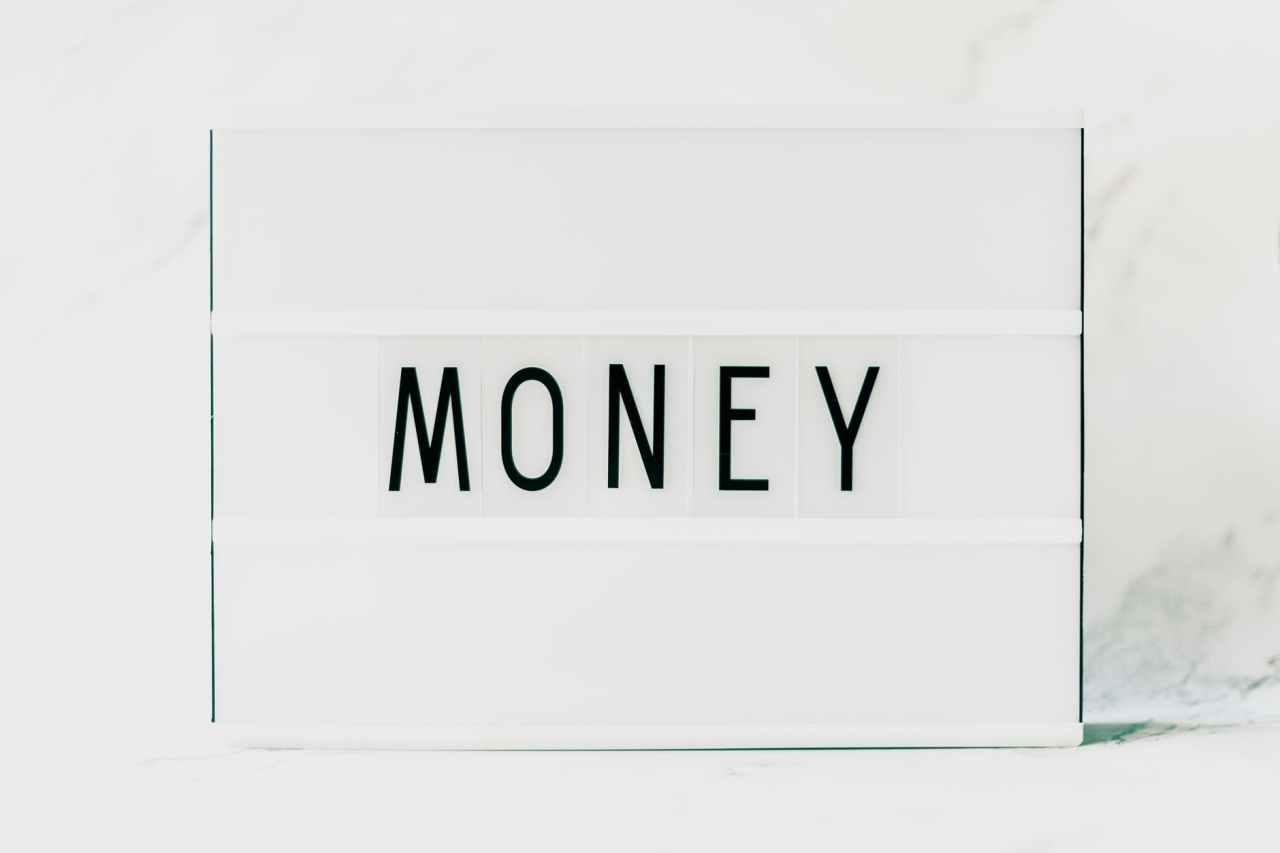 Τι μπορεί να σκεφτεί κανείς όταν ξεμένει από χρήματα στο τέλος τουμήνα;