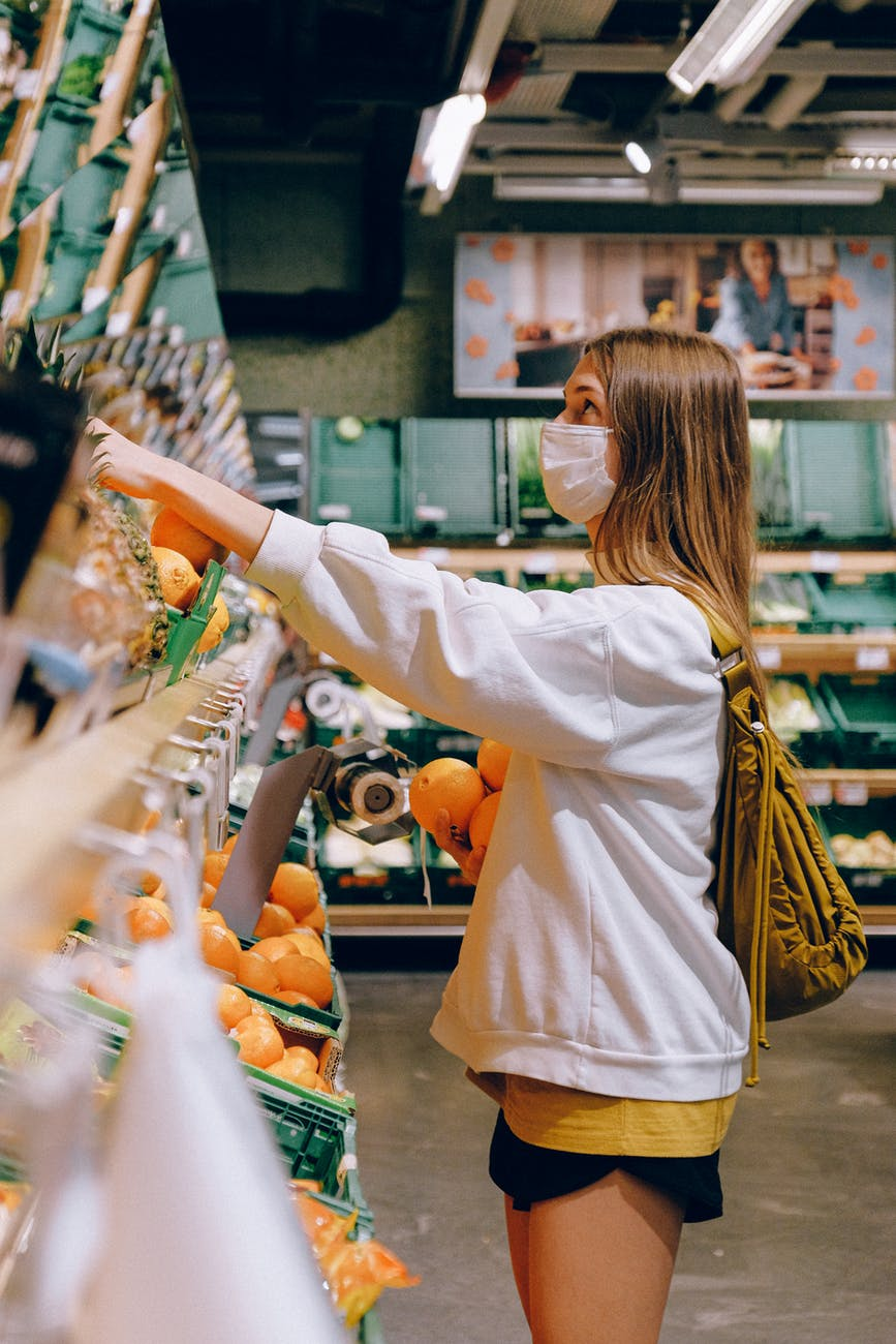Περιβαλλοντικό τέλος: Τι αλλάζει στις πλαστικές σακούλες σε σούπερ μάρκετ καιλαϊκές