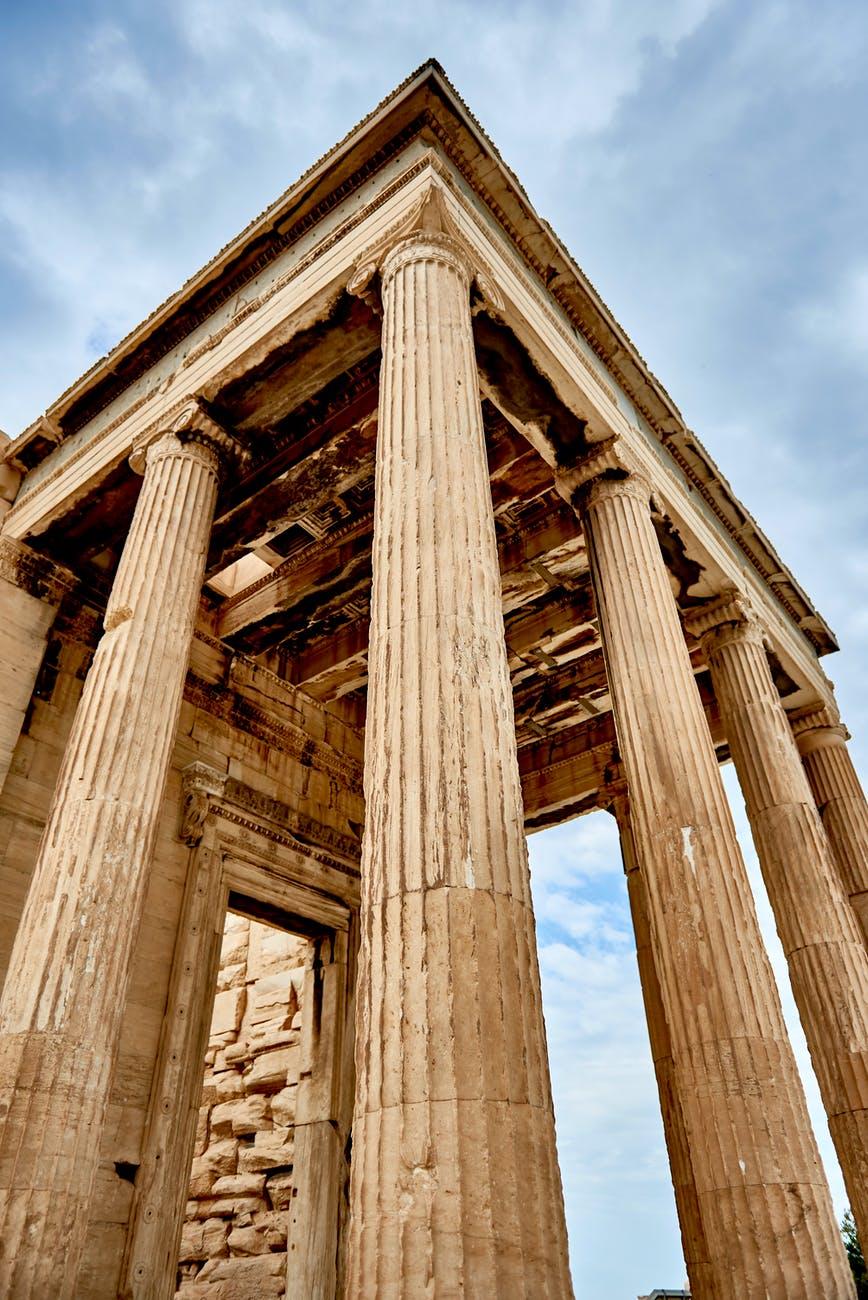 Ανοίγουν τη Δευτέρα οι αρχαιολογικοί χώροι με διαχωριστικά καιαποστάσεις