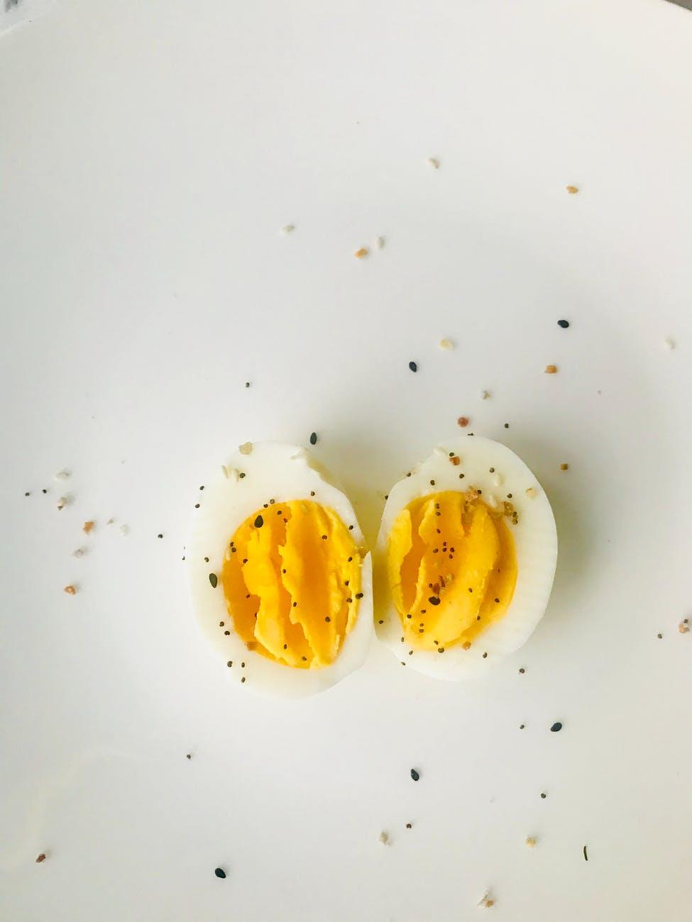 Νέα έρευνα: Τα αβγά το πρωί κάνουν καλό στονεγκέφαλο!