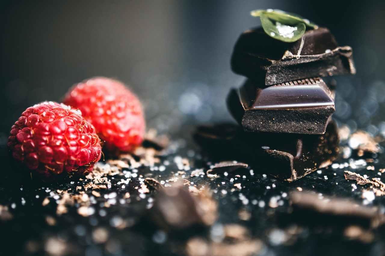 Τι είναι η δίαιτα sirtfood – Μπορείτε να τρώτε μέχρι καισοκολάτα