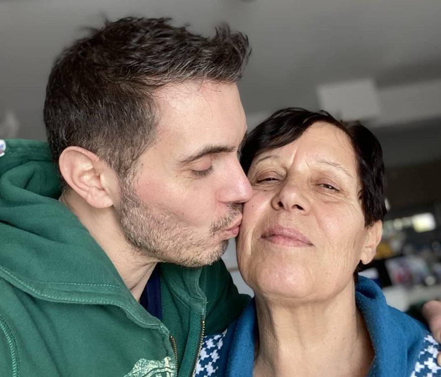 Μιχάλης Χατζιγιάννης: Έκανε ένα ξεχωριστό throwback για χάρη της μητέραςτου