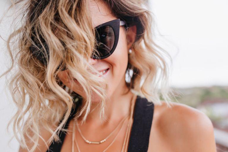 Περιποιηθείτε τα ξανθά μαλλιά σας με αυτή την DIYμάσκα
