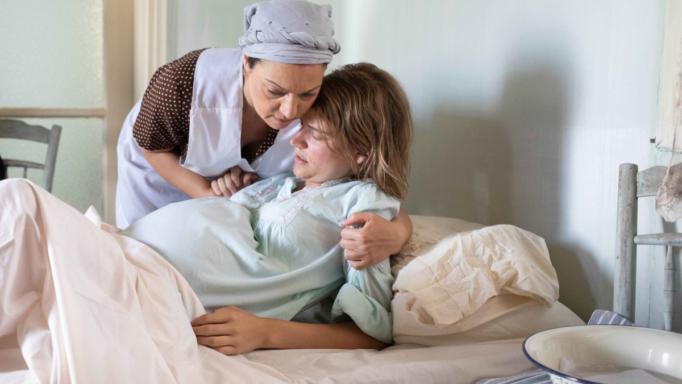 Σοβαρή επιπλοκή στη γέννα της Δρόσως στις ΆγριεςΜέλισσες