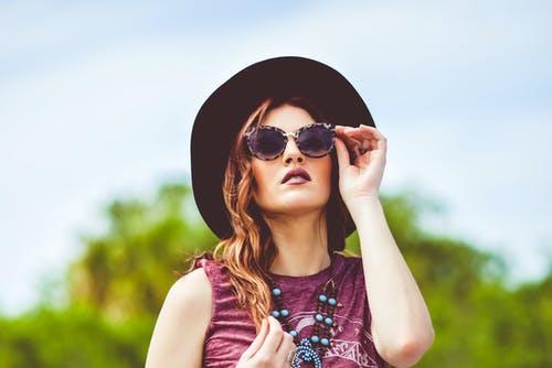Shopping Guide: Τα πιο στιλάτα γυαλιά ηλίου για τοκαλοκαίρι