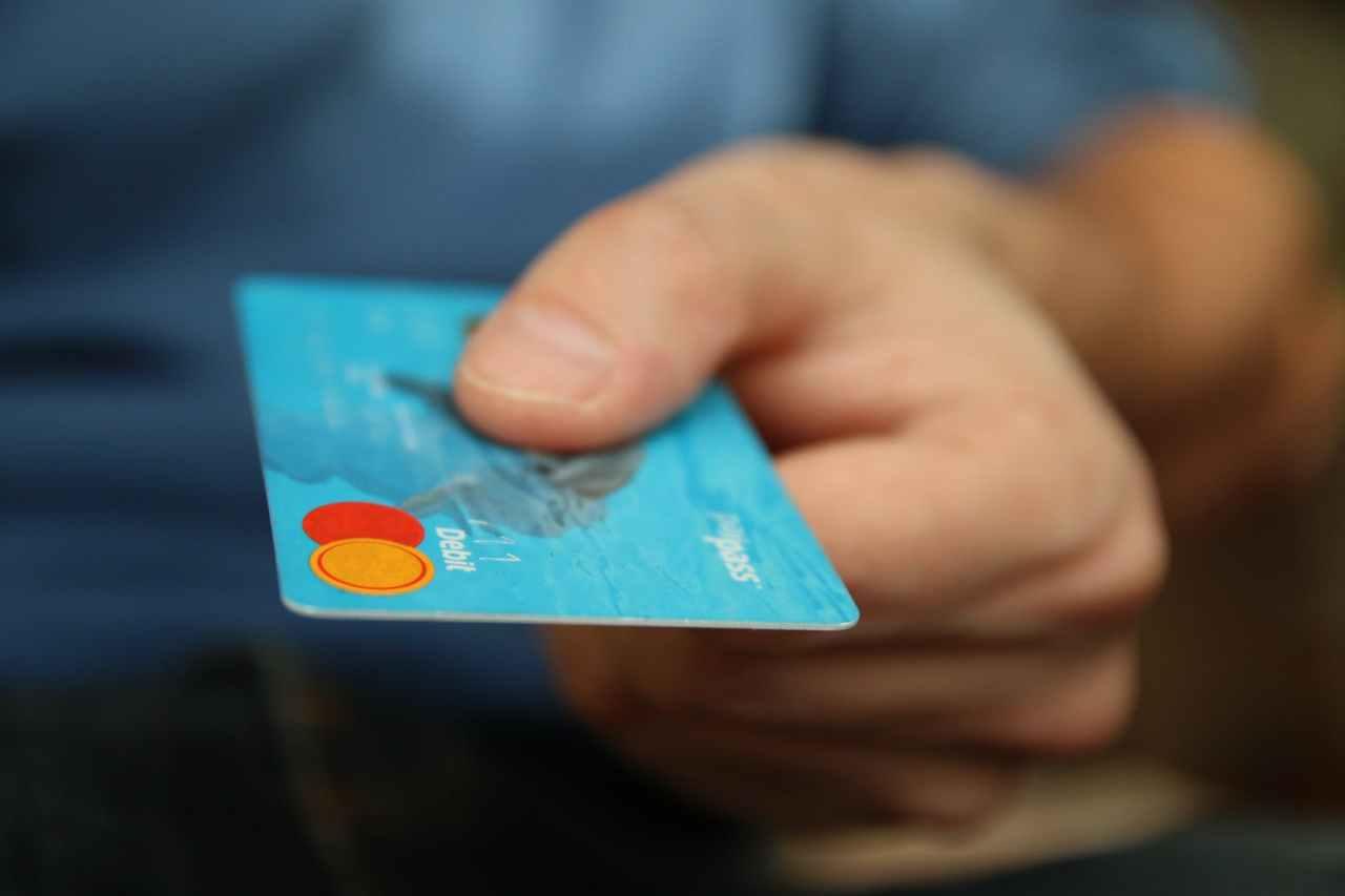 Τράπεζες: Κομμένες από αύριο συγκεκριμένες συναλλαγές στα καταστήματα λόγωκορονοϊού!