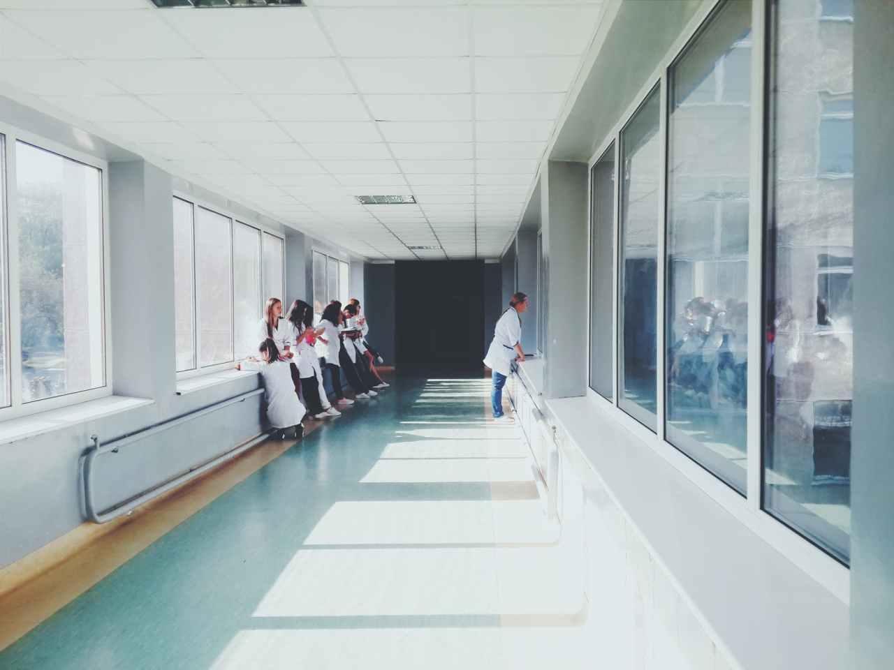Κορωνοϊός: Διασωληνώθηκε 27χρονη γιατρός στο Πανεπιστημιακό νοσοκομείοΛάρισας