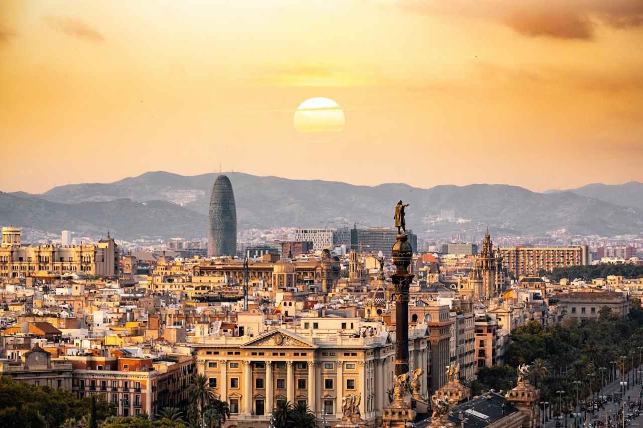 Πόλη φάντασμα η Βαρκελώνη- οι τουρίστες εγκαταλείπουν μαζικά τηνπόλη