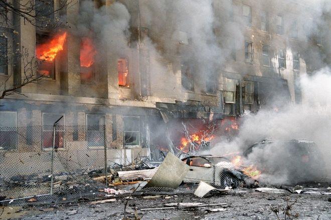 Ερείπια από τη μέρα της τραγωδίας