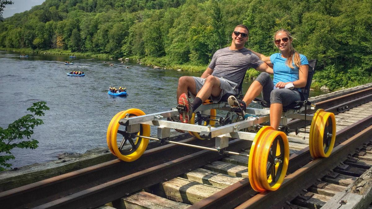 Railbiking: Ποδηλασία πάνω στις ράγες του τραίνου στα πιο φανταστικά μέρη τηςΕλλάδας