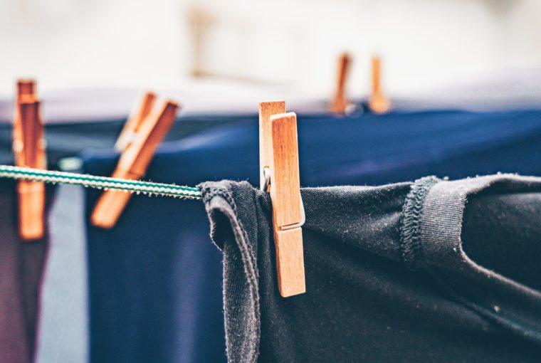 Απλώνεις τα ρούχα μέσα στο σπίτι; Μην τοξανακάνεις!