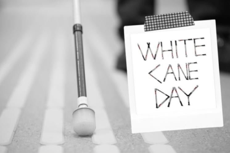 Παγκόσμια ημέρα Λευκού Μπαστουνιού: Δύο άνθρωποι που βλέπουν διαφορετικά μιλούν για την καθημερινότητάτους