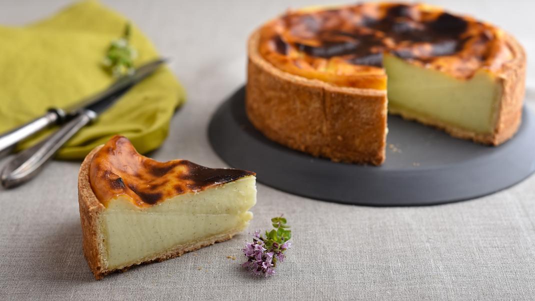 Flan parisien: Η γαλλική τάρτα κρέμας με την πλούσια γεύση θα σε κάνει να ξεχάσεις κάθεάλλη