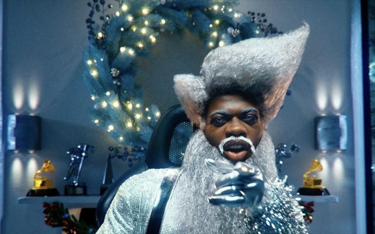 Ο Lil Nas X μπαίνει στο εορταστικό πνεύμα τωνΧριστουγέννων