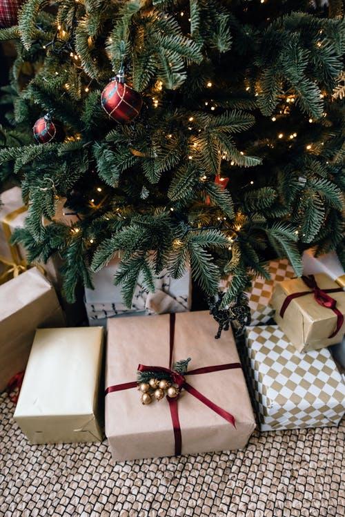 Φτιάξε το Ιπτάμενο χριστουγεννιάτικο δέντρο!