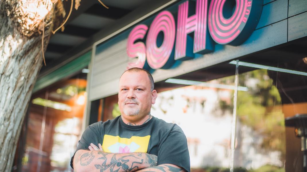 Soho Burgers: Η νέα γευστική άφιξη στην Αθήνα με την υπογραφή του ΔημήτρηΣκαρμούτσου