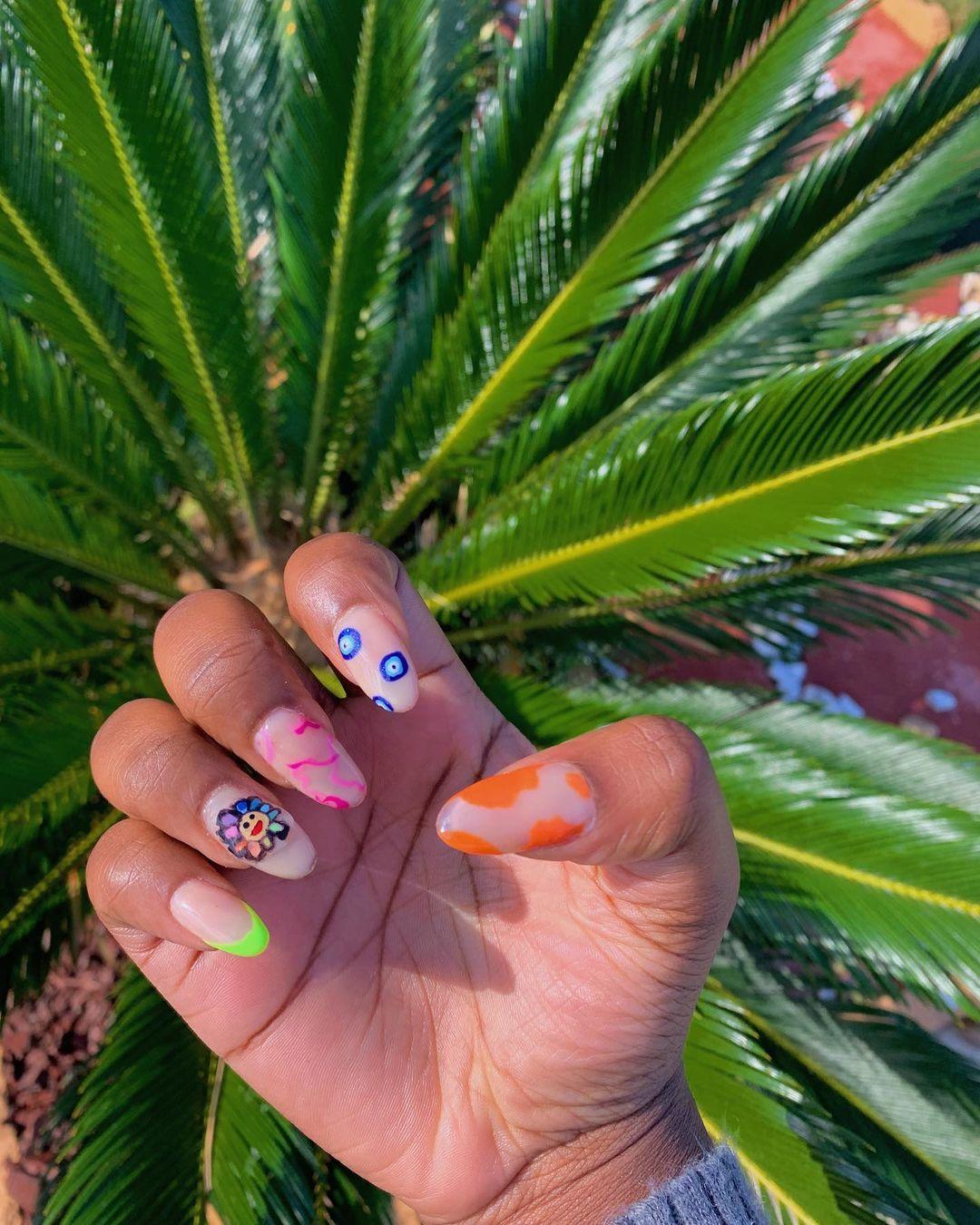 Indie nails: τι ακριβώς είναι η νέα τάση στανύχια;