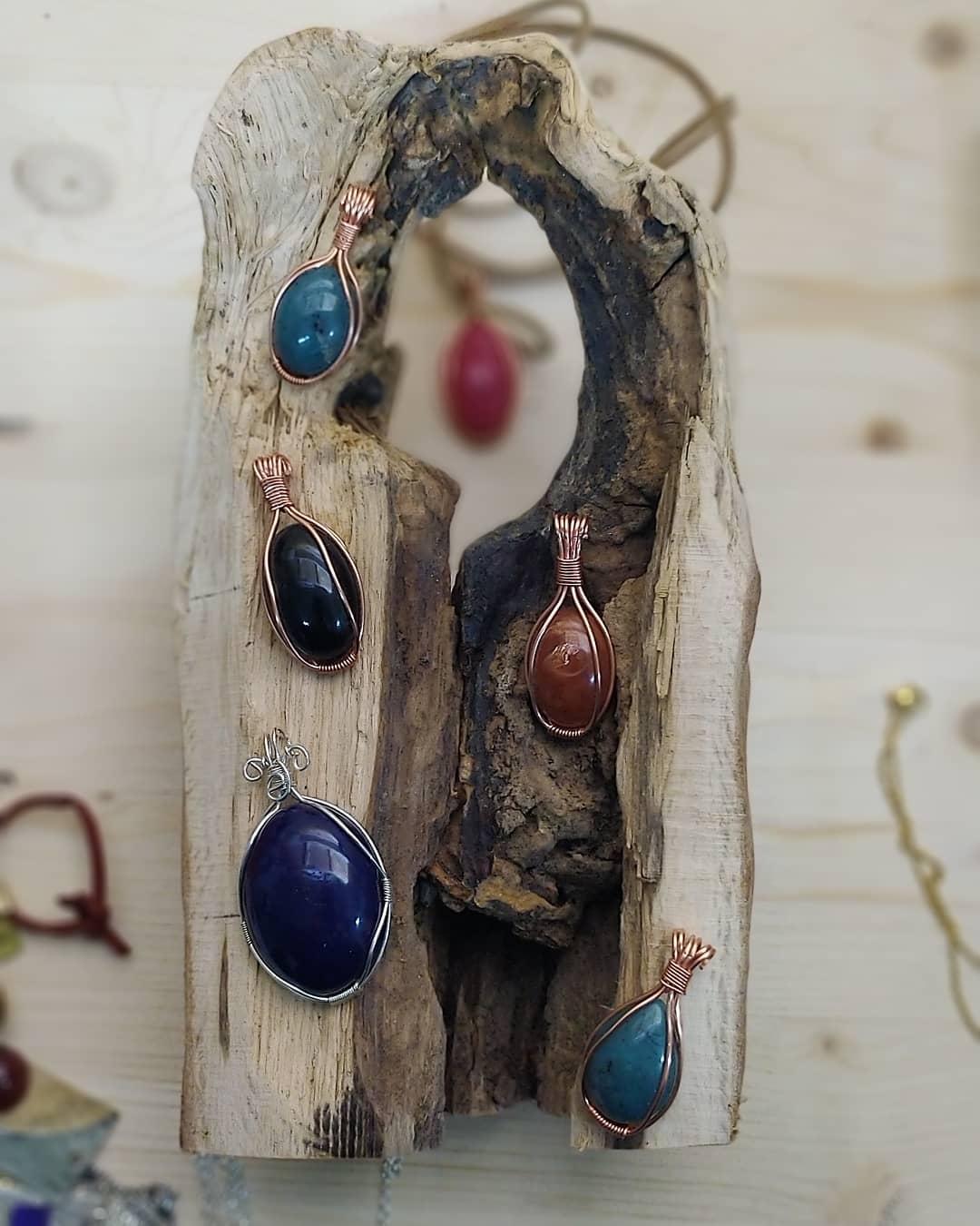 Μοναδικά χειροποίητα κοσμήματα από τονκ.Κοντιζά