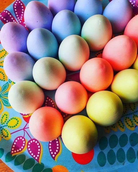 Παιχνιδιάρικα πασχαλινά αυγά απόκιμωλία