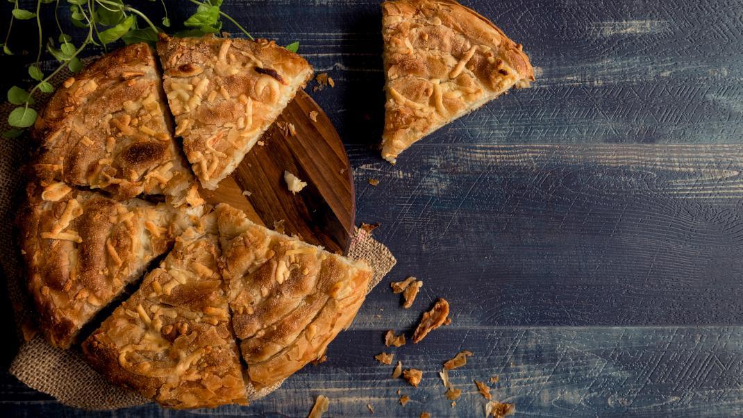 Νηστίστιμη πατατόπιτα με μυρωδικά -Η πανεύκολη συνταγή που πρέπει να δοκιμάσειςσήμερα